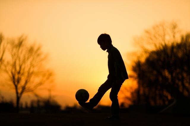 一人でできるサッカーの自主練習メニュー。5つの練習法を動画で紹介
