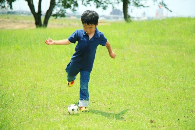 【動画あり】幼児向けサッカー練習法。教え方のコツと練習メニュー
