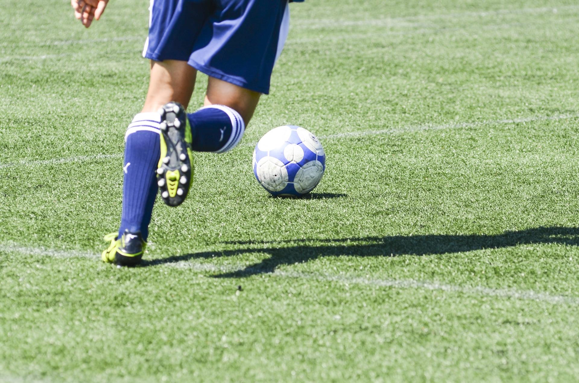 サッカーのドリブルがうまくなる5つのコツ。練習メニューを紹介